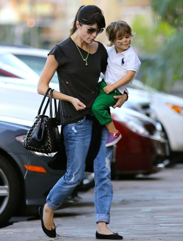 Selma Blair And Kitty Cat Son Arthur 2