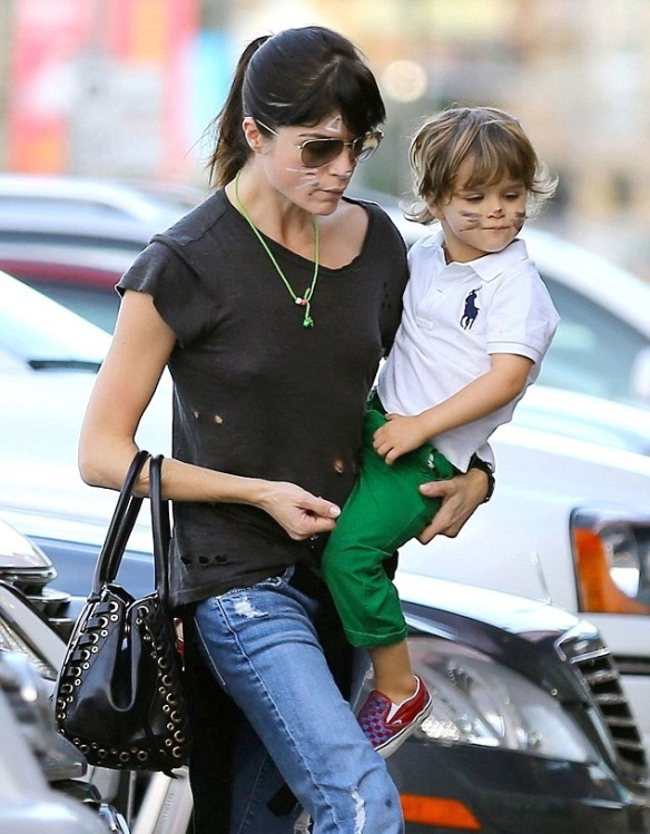 Selma Blair And Kitty Cat Son Arthur 3