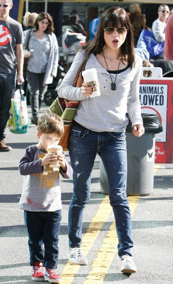 Arthur Bleick with mommy Selma Blair 1