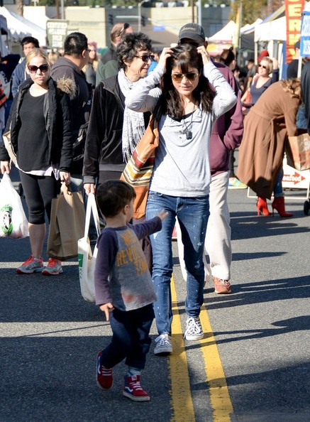 Selma Blair & Son Arthur Farmers Market January 2015 1
