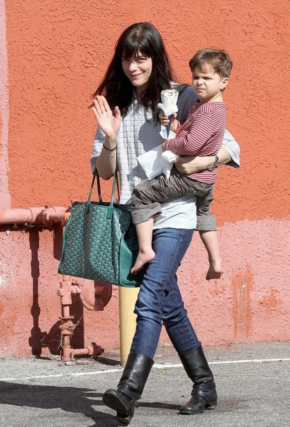 Selma Blair Treats Arthur To Ice Cream 1