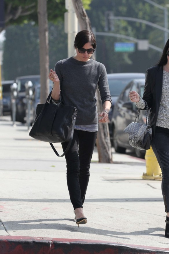 Selma Blair Shops With A Friends 4