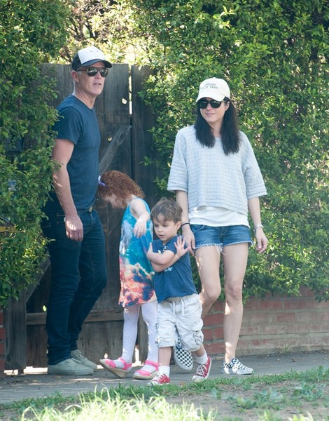 Selma Blair spends Sunday with Arthur and friends 2
