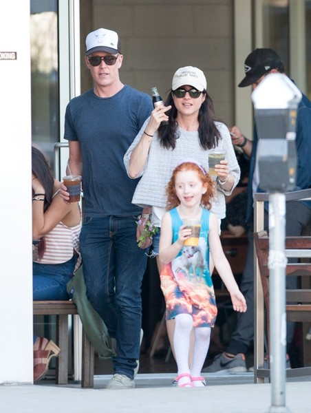 Selma Blair spends Sunday with Arthur and friends 5