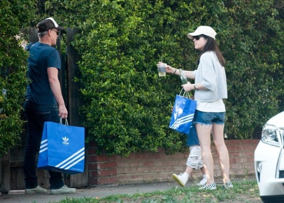 Selma Blair spends Sunday with Arthur and friends 7
