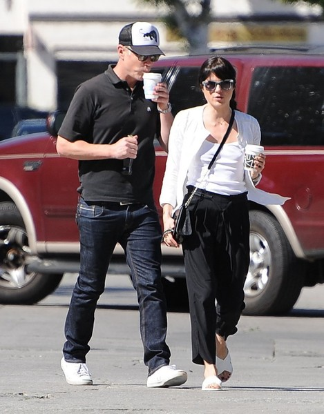 Selma Blair On A Coffee Run In Ancient Greek Sandals 2