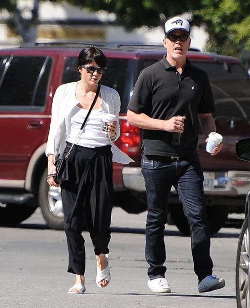 Selma Blair On A Coffee Run In Ancient Greek Sandals 4