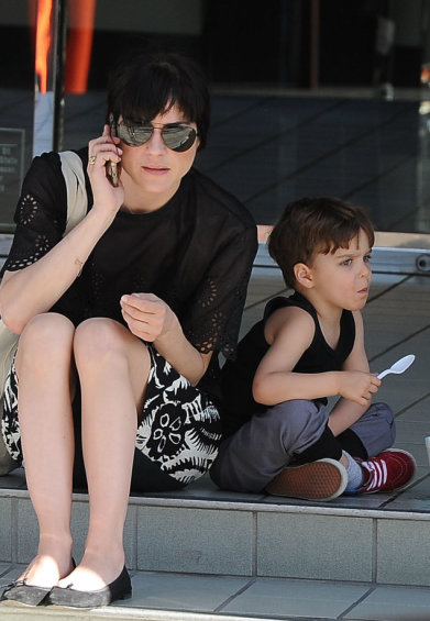 Selma Blair Takes Arthur For A Snow Cone 1