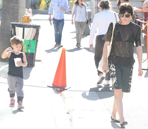 Selma Blair Takes Arthur For A Snow Cone 7