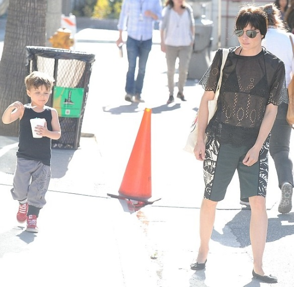 Selma Blair Takes Arthur For A Snow Cone 8