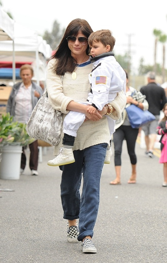 Selma Blair & Captain Cuteness Check Out The Farmers Market 1