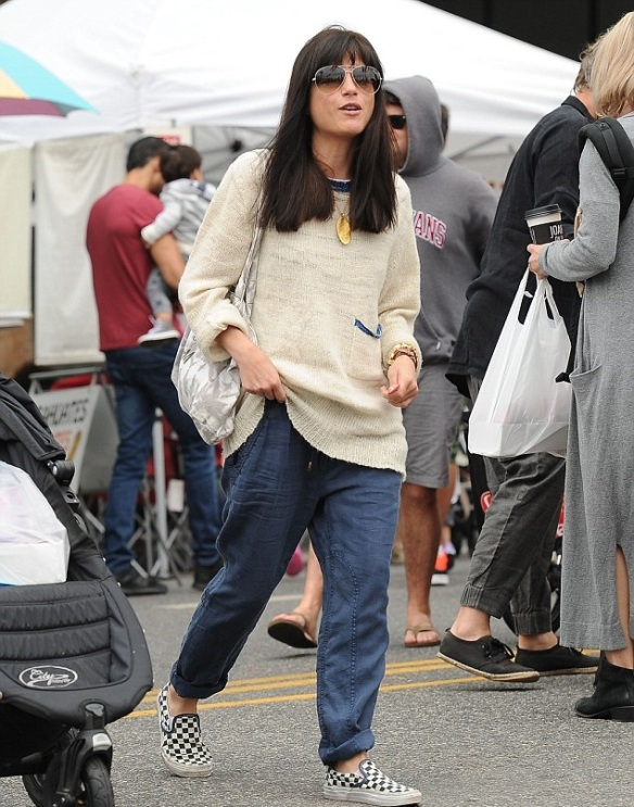 Selma Blair & Captain Cuteness Check Out The Farmers Market 3