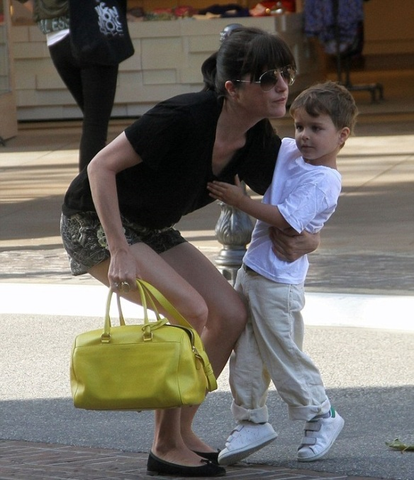 Selma Blair Shopping With Son Saint 2