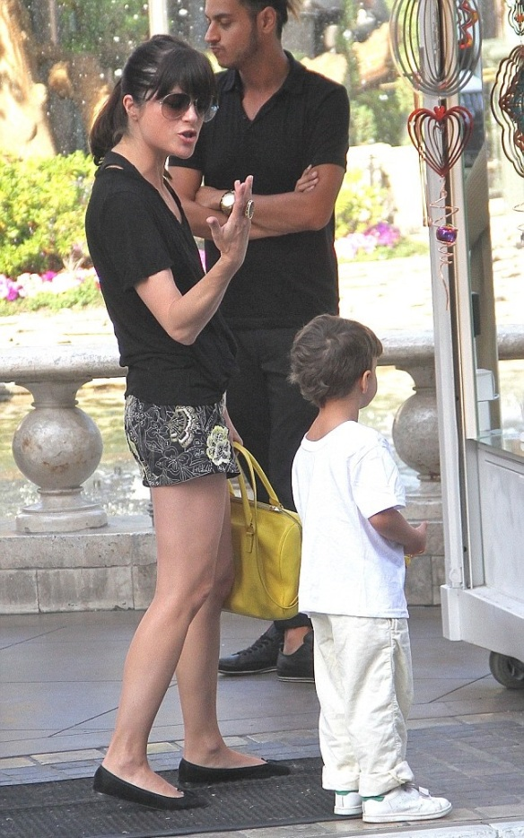 Selma Blair Shopping With Son Saint 5