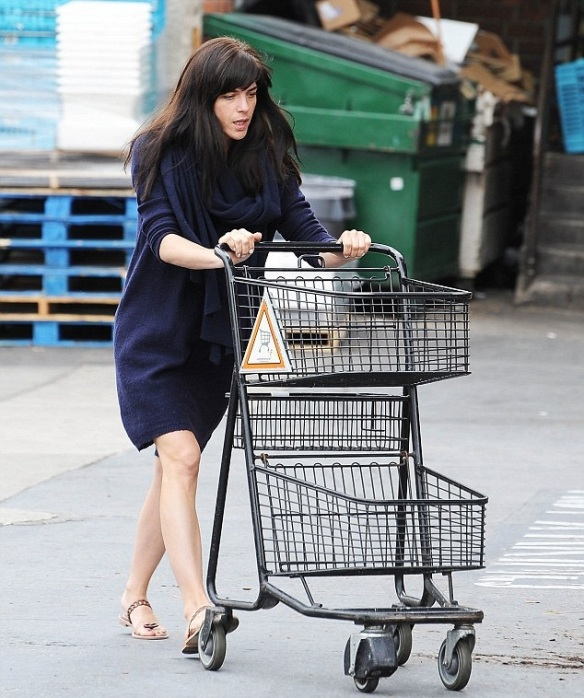 Selma Blair Stops by Bristol Farms 3