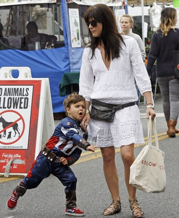 Selma Blair & Captain America Browse The Farmers Market 1