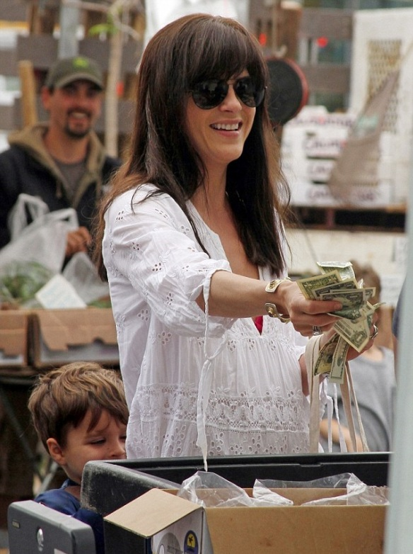 Selma Blair & Captain America Browse The Farmers Market 4