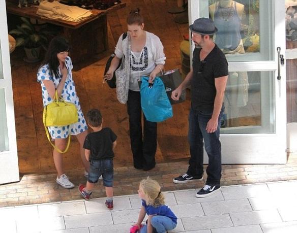 Selma Blair Chats With Amy Adams At The Mall 3