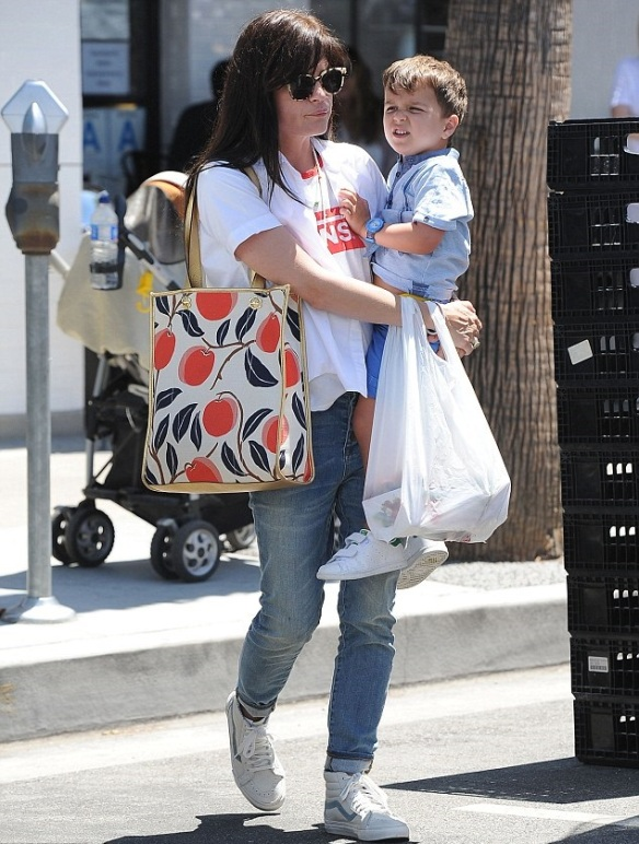 Selma Blair & Arthur Breakfast at Joan's on Third 1