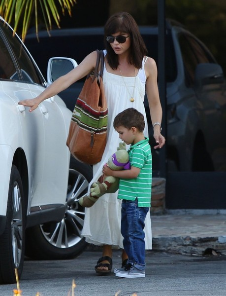 Selma Blair & Son Arthur Pizza Night At The Six 11