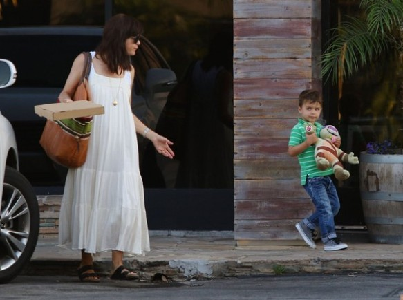 Selma Blair & Son Arthur Pizza Night At The Six 2