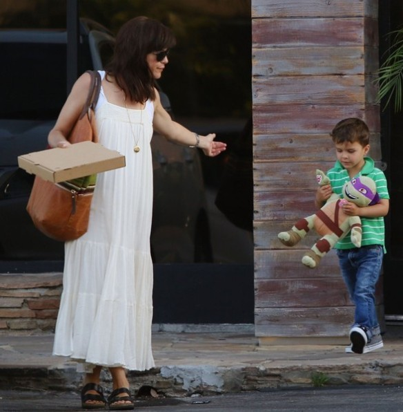 Selma Blair & Son Arthur Pizza Night At The Six 3