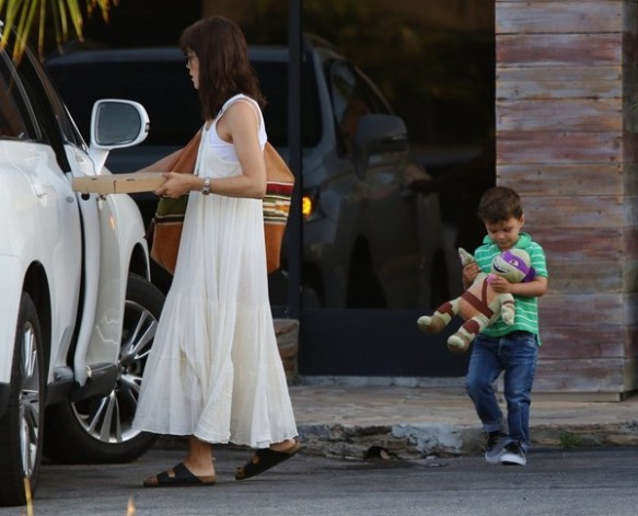 Selma Blair & Son Arthur Pizza Night At The Six 6