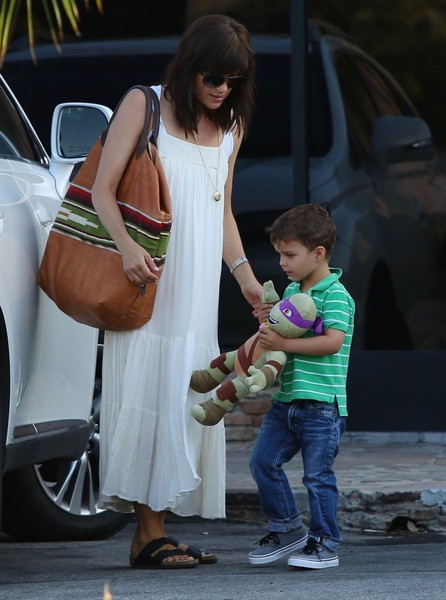 Selma Blair & Son Arthur Pizza Night At The Six 8