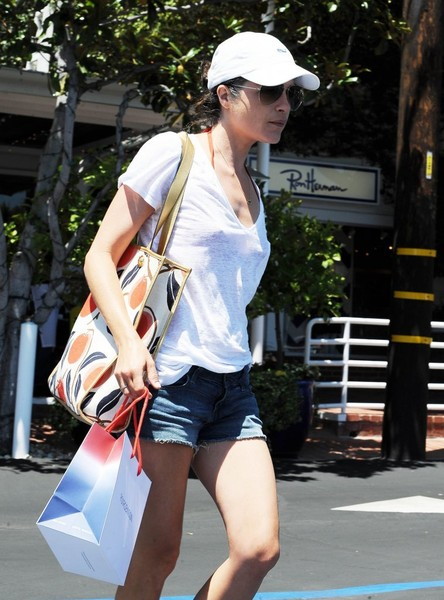 Selma Blair Spotted Leaving Fred Segal 1