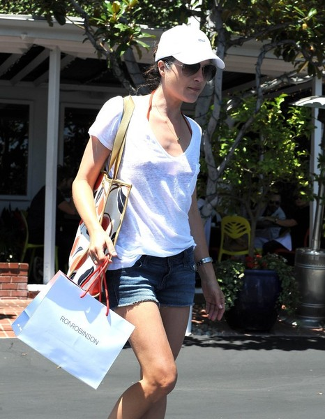 Selma Blair Spotted Leaving Fred Segal 2