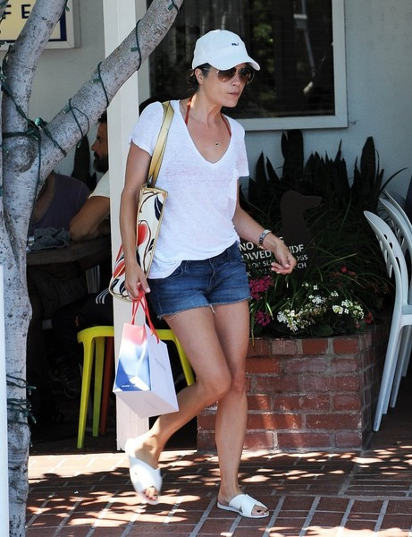 Selma Blair Spotted Leaving Fred Segal 5