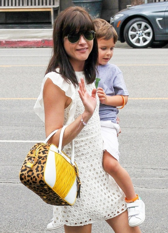 Selma Blair & Arthur Do Lunch 4