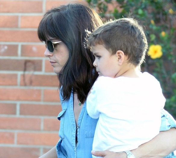 Selma Blair & Arthur Saint Grocery Run 2