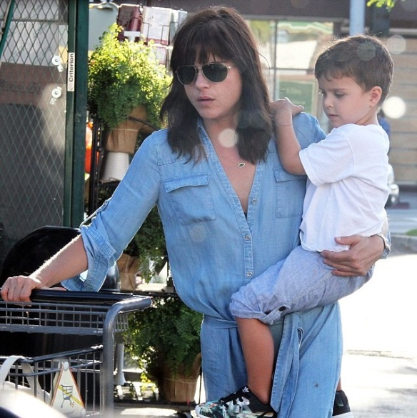 Selma Blair & Arthur Saint Grocery Run 4