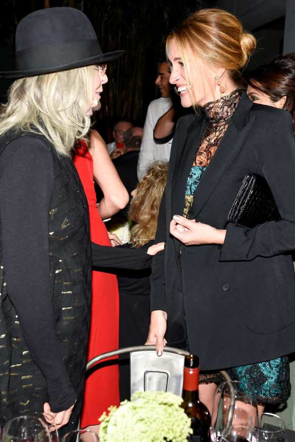 Julia Roberts and Diane Keaton