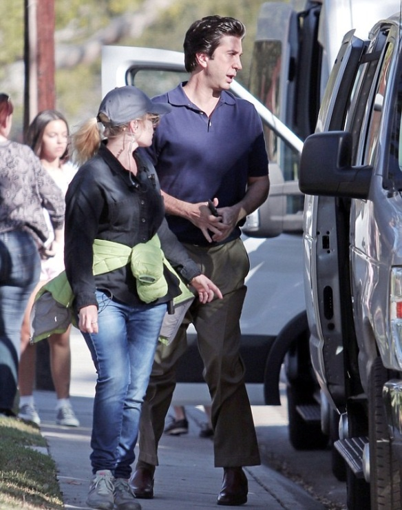 Selma Blair and David Schwimmer on set of American Crime Story 3