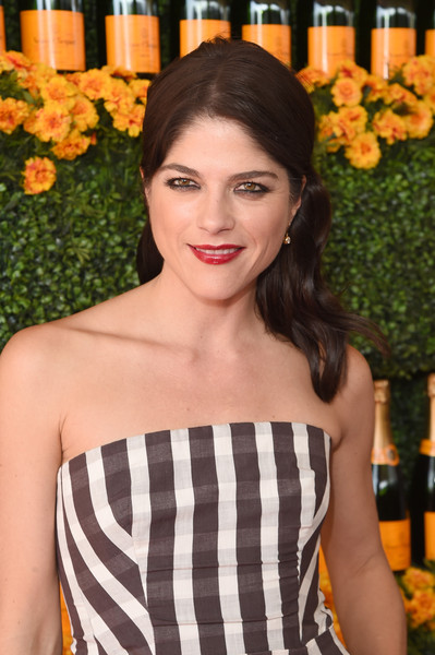 Selma Blair arrives at the Sixth-Annual Veuve Clicquot Polo Classic at Will Rogers State Historic Park. 22