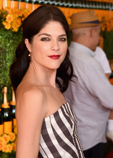 Selma Blair arrives at the Sixth-Annual Veuve Clicquot Polo Classic at Will Rogers State Historic Park. 40