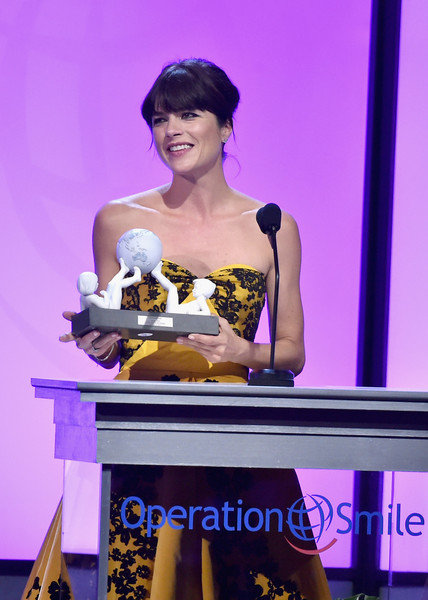 Selma Blair Operation Smile Gala 8