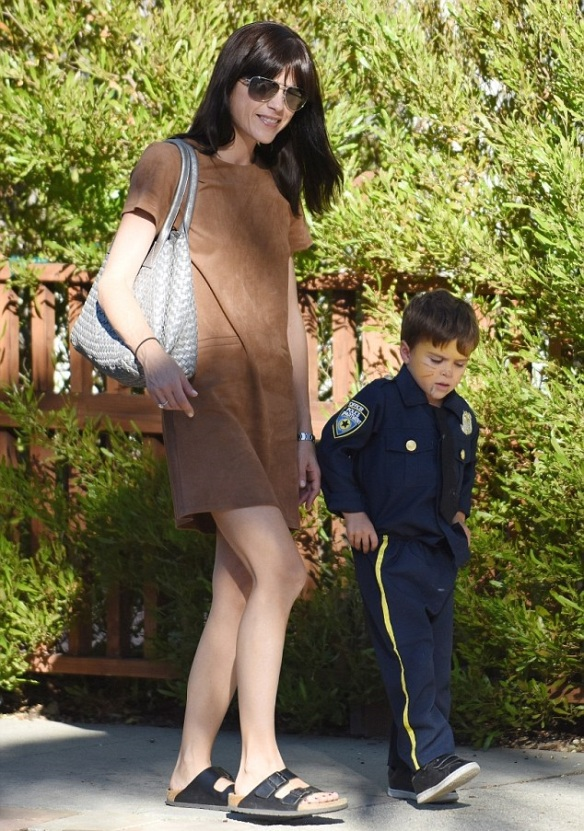 Selma Blair and officer Arthur 1