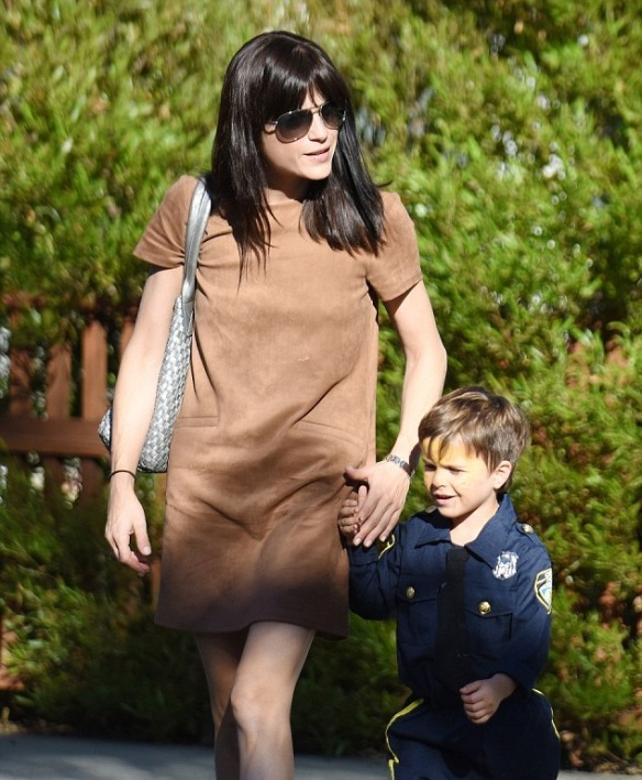 Selma Blair and officer Arthur 3