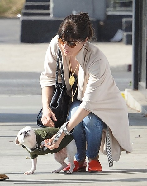 Selma Blair And Her Doggie Ducky 11
