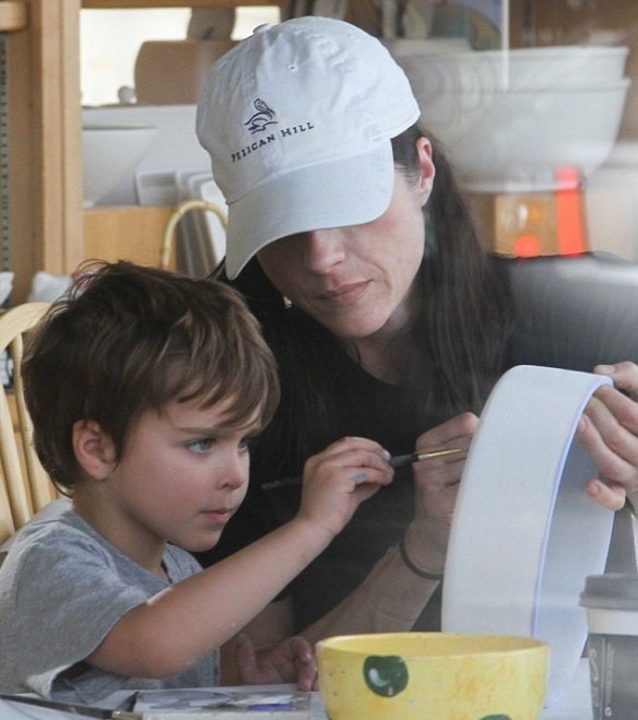 Selma Blair and son Arthur get crafty 7