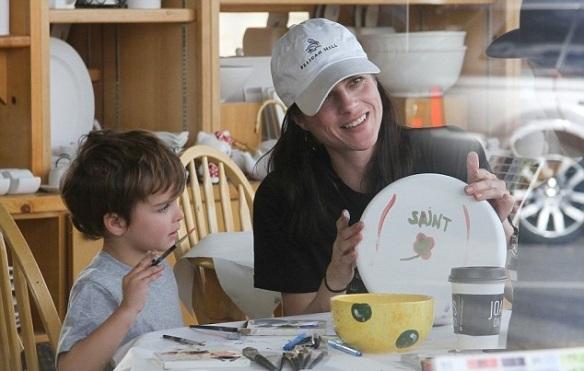 Selma Blair and son Arthur get crafty 8