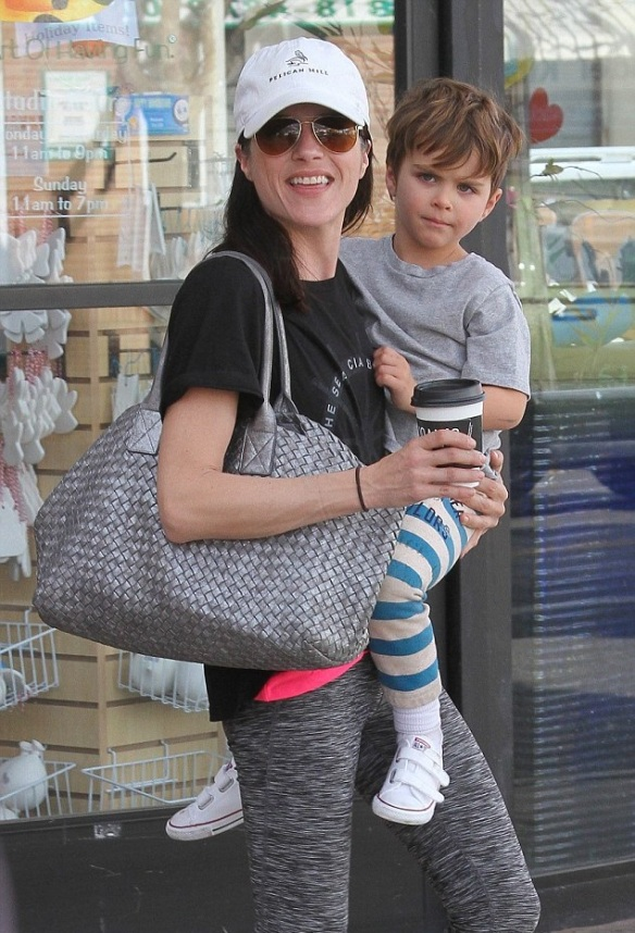 Selma Blair and son Arthur get crafty 9
