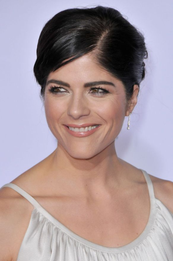 Selma Blair FX Premiere Red Carpet 10