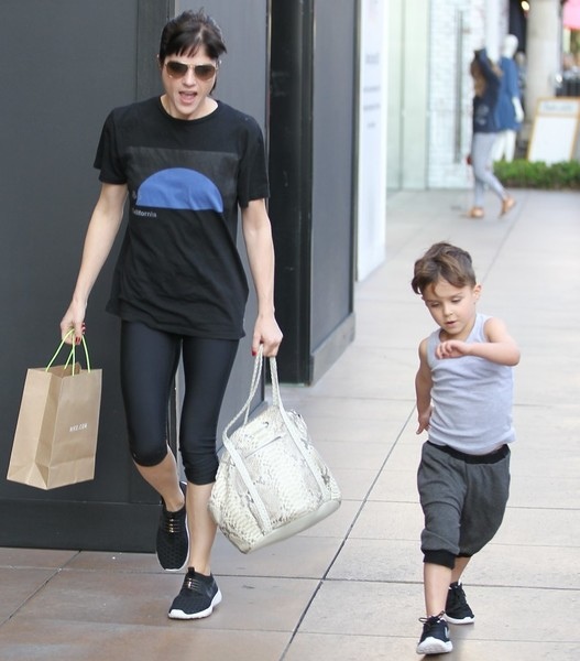 Selma Blair and son Arthur pick up new kicks at the Grove 1