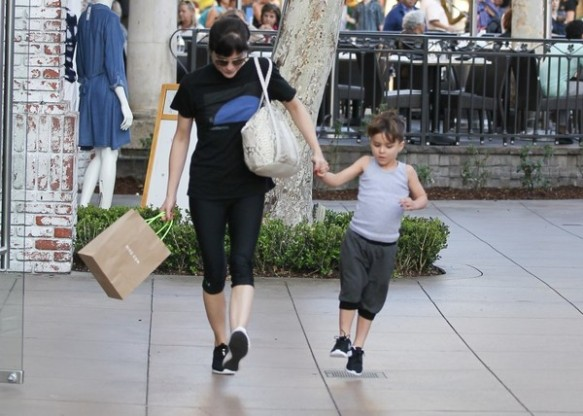 Selma Blair and son Arthur pick up new kicks at the Grove 7