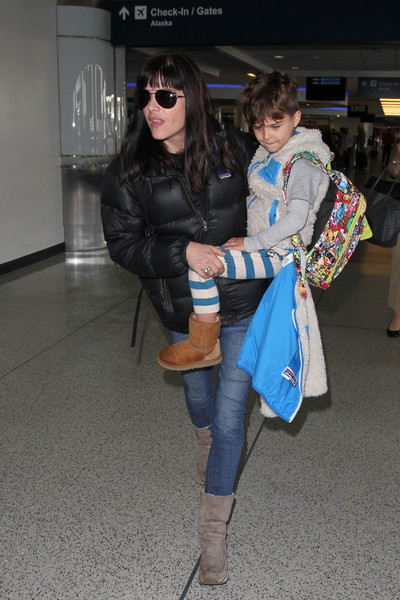 Selma Blair Arrives at LAX with son Arthur 1
