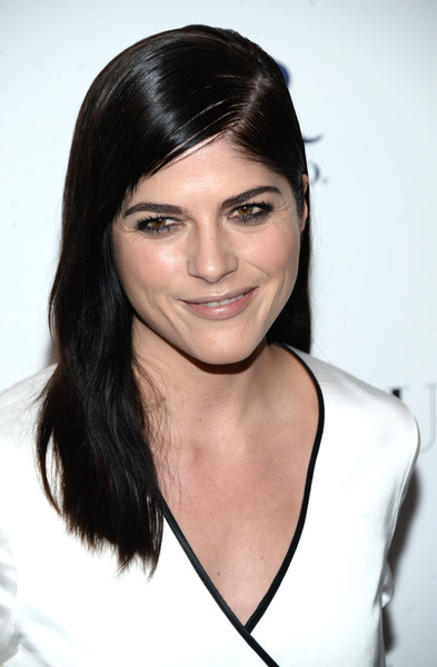 Selma Blair Rosetta Getty Wrap Dress Red Carpet Premiere Mothers and Daughters 10